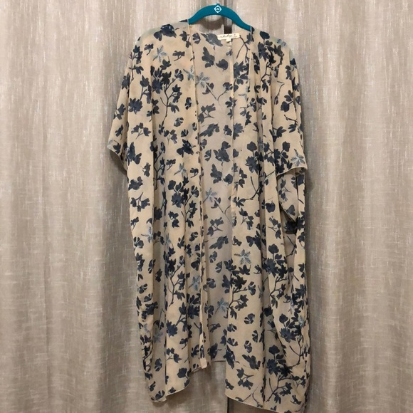 Other - Cute floral coverup